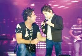 Ex-cover mirim de Cristiano Araújo segue carreira musical e faz sucesso na internet