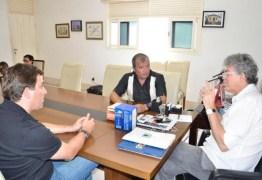 Ricardo reúne deputados aliados na Granja Santana