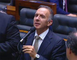 aguinaldo plenário 1024x799 1 300x234 - Após articulação, Aguinaldo Ribeiro comemora aprovação de emenda que institui a tarifa social a famílias de baixa renda