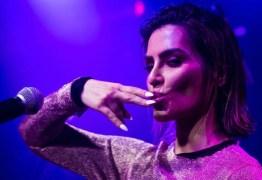 Cleo faz parcerias internacionais e sonha cantar com Anitta: 'Um norte'