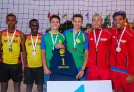 Paraibano ganha medalha de ouro em competição de vôlei na África