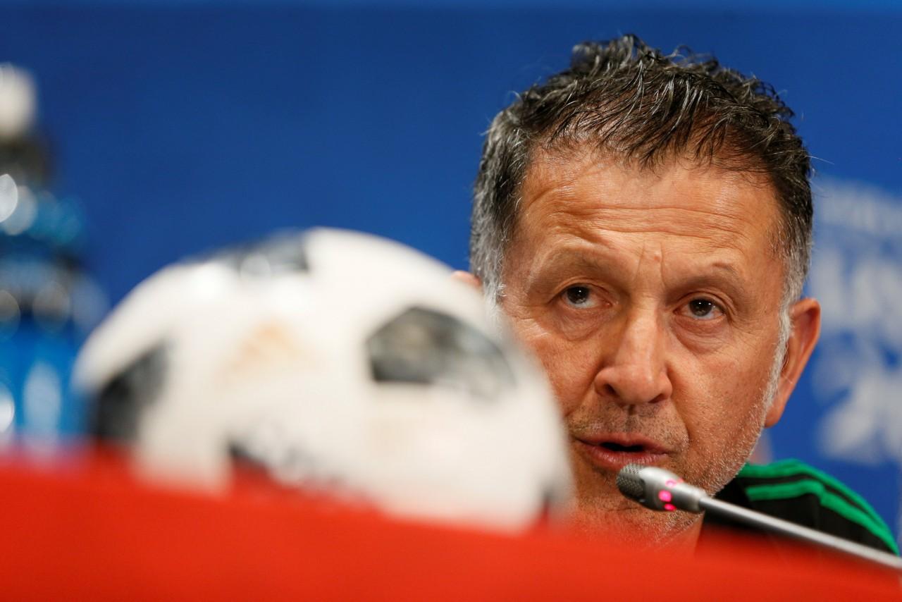 mexico - Técnico do México reclama de arbitragem e diz que não se pode permitir 'tanta palhaçada' de Neymar