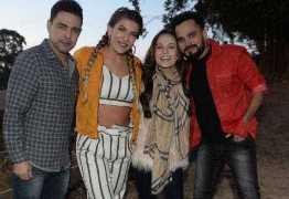 Zezé di Camargo e Luciano gravam clipe com Lari Manoela e Lore Improta