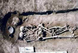 Mulher é enterrada viva ao lado do marido na Ucrânia