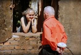 Idosos comemoram 63 anos juntos com ensaio romântico: 'o amor não envelhece'