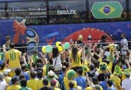 VEJA VÍDEO: Seleção é recebida com festa em Kazan, onde joga contra a Bélgica