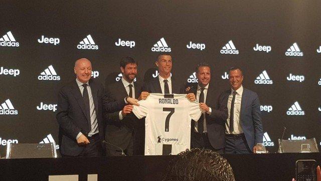 xcristiano ronaldo.jpg.pagespeed.ic .obB2eggNEB - CR7 avisa na apresentação da Juventus: 'Sou ambicioso. Não vou ficar na zona de conforto'
