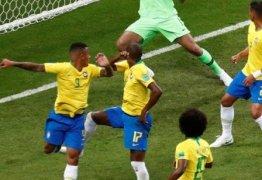 Após gol contra, Fernandinho é atacado nas redes sociais por torcedores da seleção