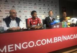 Vitinho é apresentado no Flamengo: 'Era um sonho. Não imaginava que seria tão rápido'