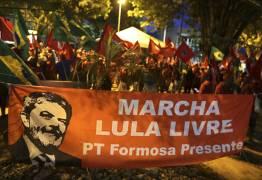 MST faz caminhada até Brasília para registro da candidatura de Lula no TSE
