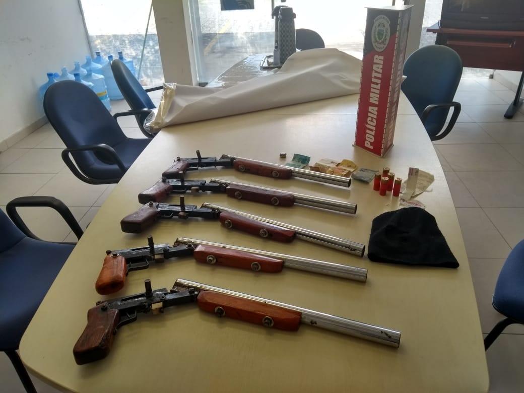 ARMA INTERCEPTADA 01 - Polícias Federal e Militar fazem operação e desmontam fábrica clandestina de armas na Paraíba