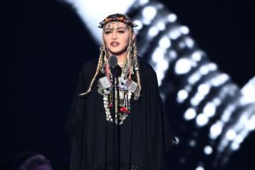 Madonna é criticada por falar de si mesma em homenagem à Aretha Franklin no VMA