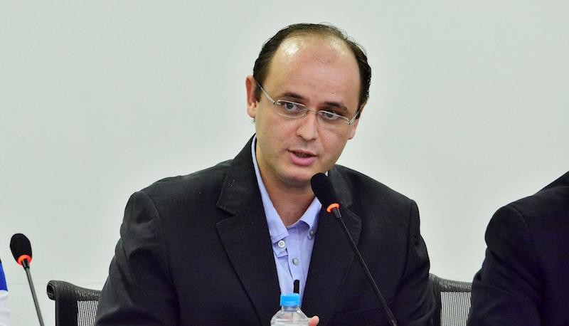 Rossieli Soares Não aterrissei - Após mobilização, MEC garante que pagamento de bolsas da Capes não será suspenso