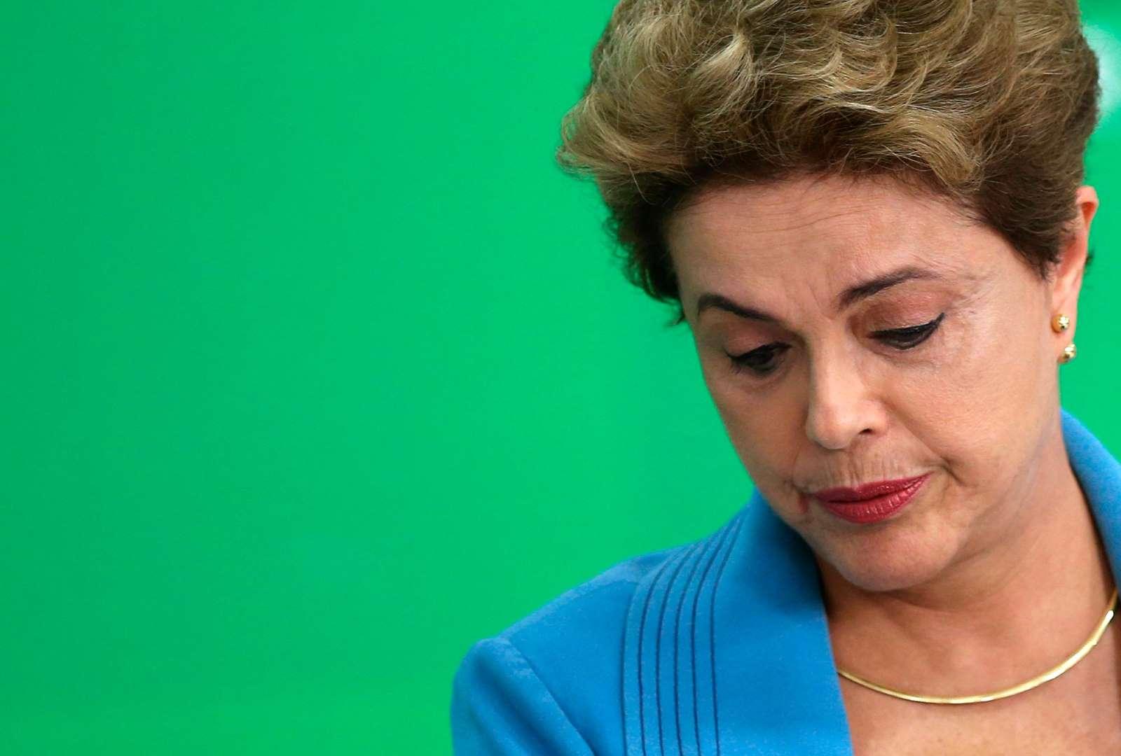 Senado aprova processo de impeachment e Dilma é afastada - Dilma lidera gastos entre candidatos para o Senado