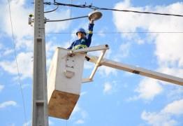 Lei desmonta discurso de promotor: Dinaldinho baixou taxa de iluminação pública e isentou Zona Rural