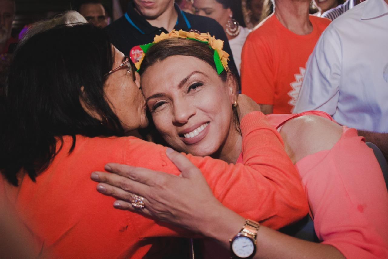 WhatsApp Image 2018 08 28 at 08.17.36 - Cida Ramos reúne mais de 3 mil pessoas em inauguração de comitê em João Pessoa e lidera caminhada até o Busto de Tamandaré