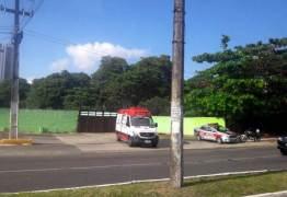 Motociclista morre ao colidir com ciclista na Avenida Tancredo Neves