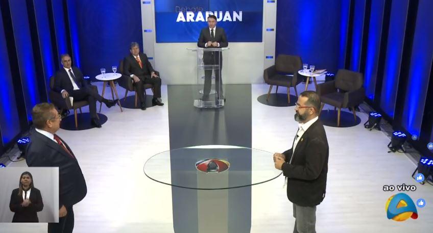 bloco 2 - DEBATE NA ARAPUAN: candidatos partem para o 'mano a mano' com troca de farpas entre Lucélio e João
