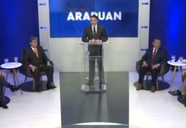 DEBATE NA ARAPUAN: candidatos se apresentam e destacam infância humilde e dedicação ao trabalho