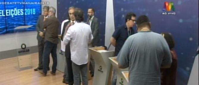 debate na manaíra - DEBATE NA MANAÍRA: no 3º bloco, Tárcio garantiu que vai abrir mão do salário de governador se for eleito