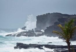 Furacão Lane atinge Havaí e milhares se refugiam em albergues