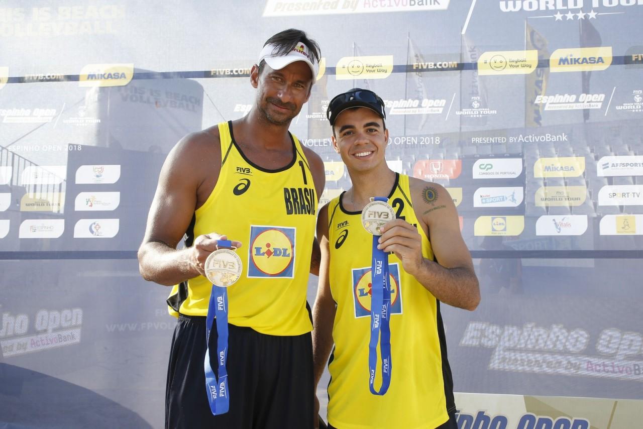 gallerypic - Vice-campeões mundiais em 2013, Ricardo e Álvaro voltam a formar dupla nas areias