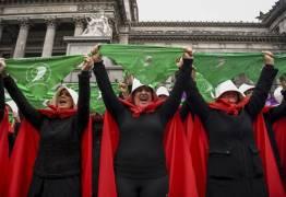 Senado da Argentina vota hoje a legalização do aborto