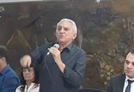 Bonifácio diz que carro do prefeito era alugado a R$ 12 mil e que teve de cortar outros privilégios