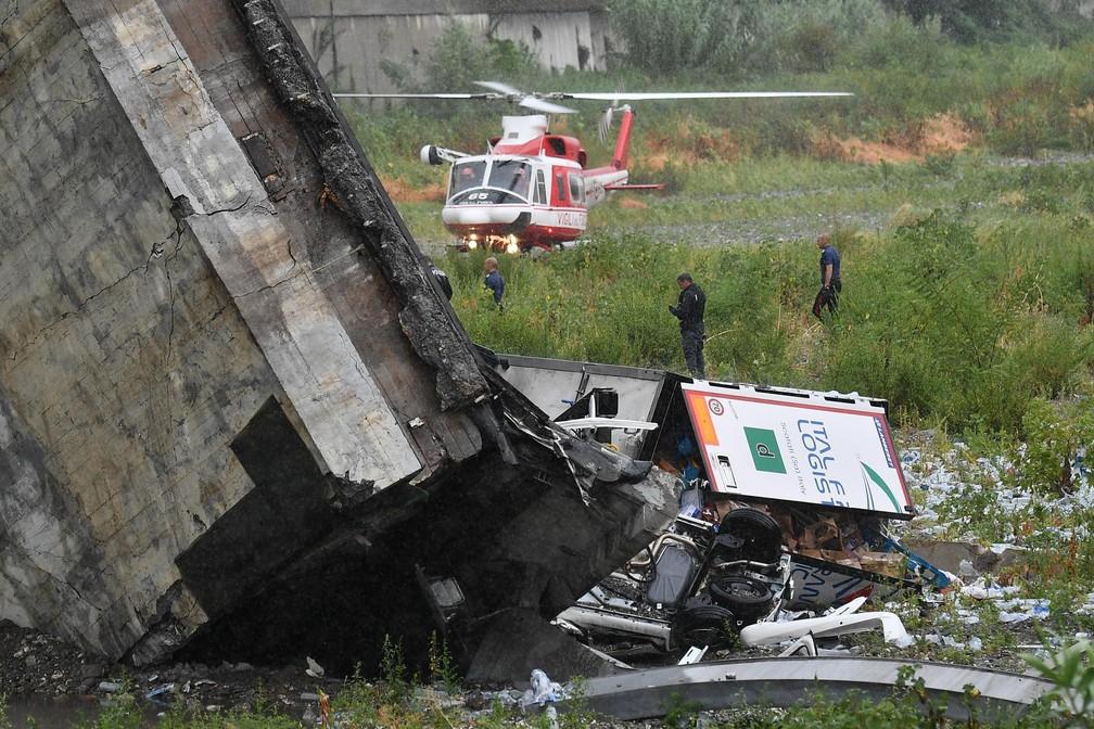 Ponte cai e deixa mortos em Gênova, na Itália