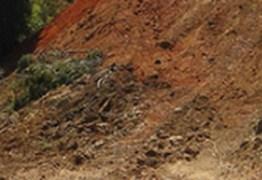Jovem de 21 anos morre ao cair de barreira no Bairro das Indústrias