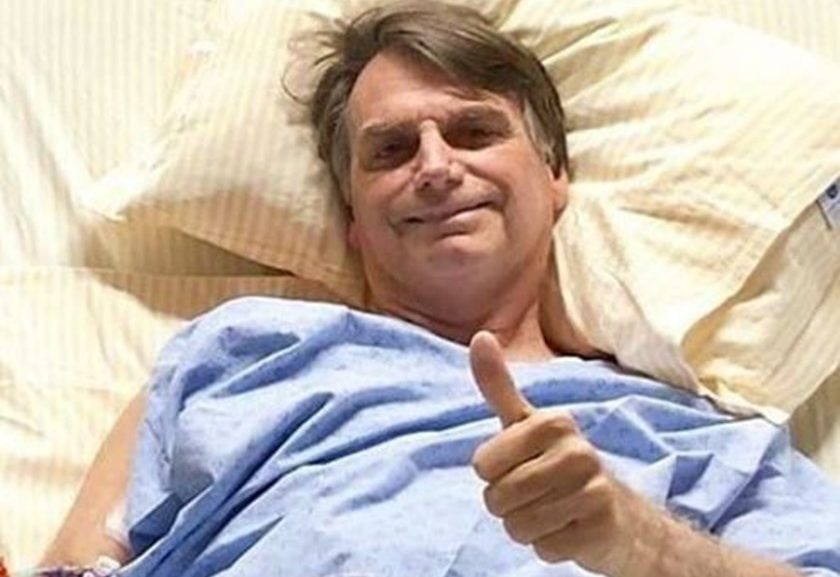 """Bolsonaro 12 de setembro1 840x577 1 - Filho de Bolsonaro diz que pai """"cavalão"""" contornou """"noite delicada"""""""