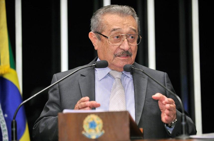 Maranhão - José Maranhão participa de encontro com lideranças de Cabedelo