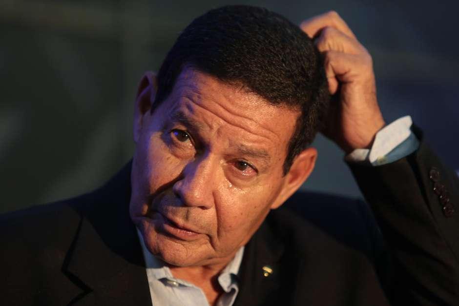 Mourão - Mourão sobre vídeo obsceno de Bolsonaro: 'morre amanhã'