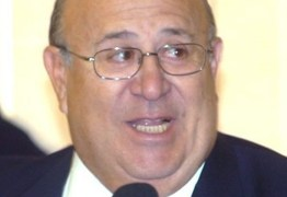 Ney chega para reforçar campanha de Veneziano ao Senado
