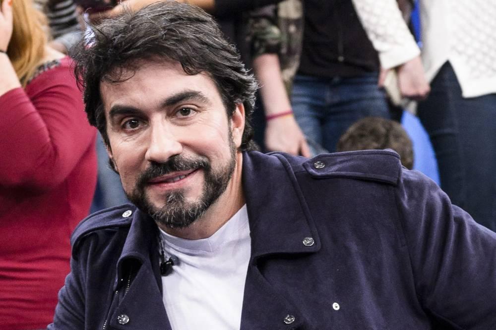 Padre Fábio de Melo - Padre Fábio de Melo é internado e preocupa fãs