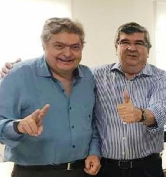 WhatsApp Image 2018 09 05 at 20.21.45 - Roberto Paulino recebe adesão do empresário, médico e educador Dalton Gadelha