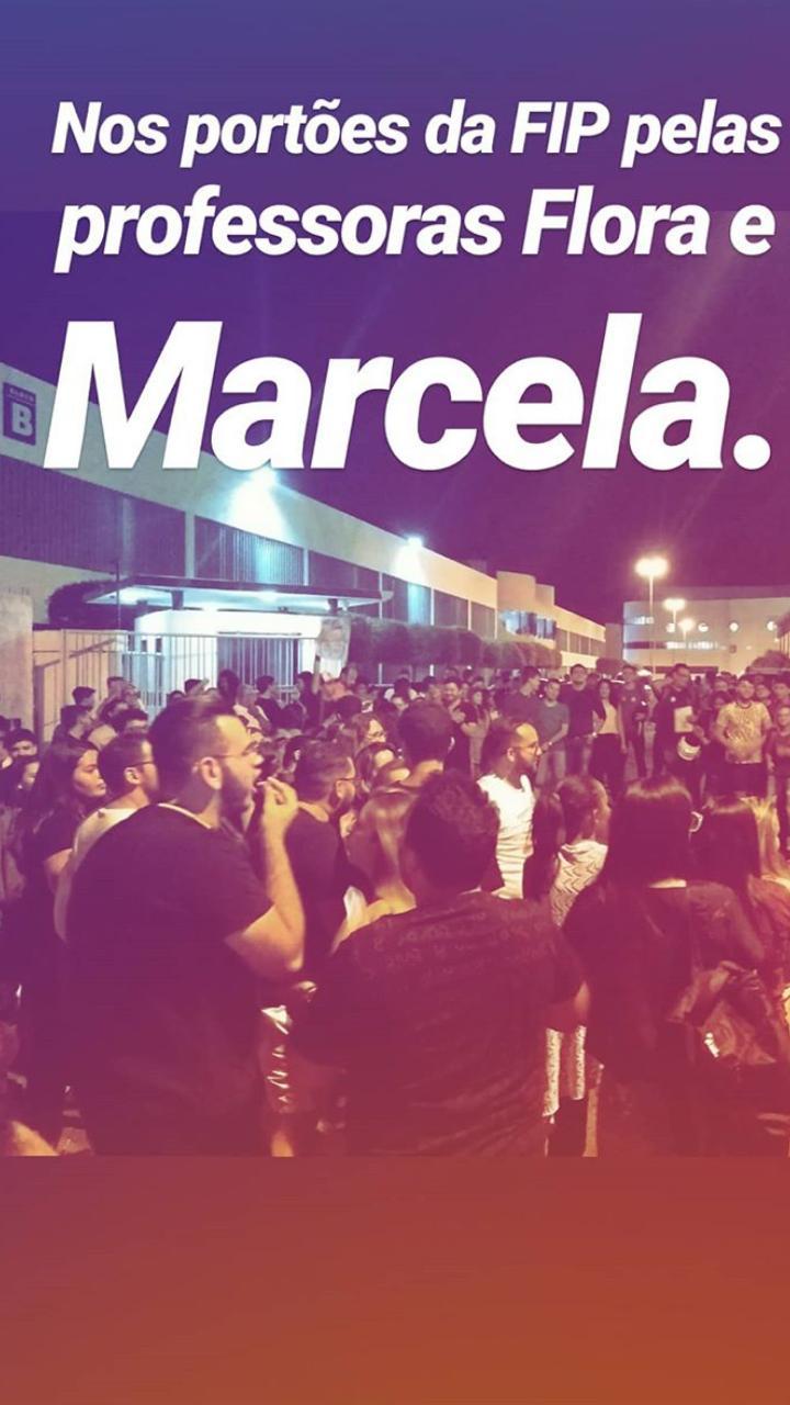 WhatsApp Image 2018 09 29 at 11.56.23 - ELAS SIM! Estudantes saem às ruas contra demissão de professoras da FIP que aderiram ao movimento #ELENÃO - VEJA VÍDEOS