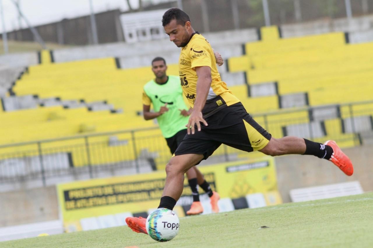Botafogo-PB contrata Adalgiso Pitbull, o primeiro reforço para o ataque em 2019