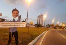 CRIME ELEITORAL: Bonecos 'judas' com rosto de Cássio são espalhados por João Pessoa