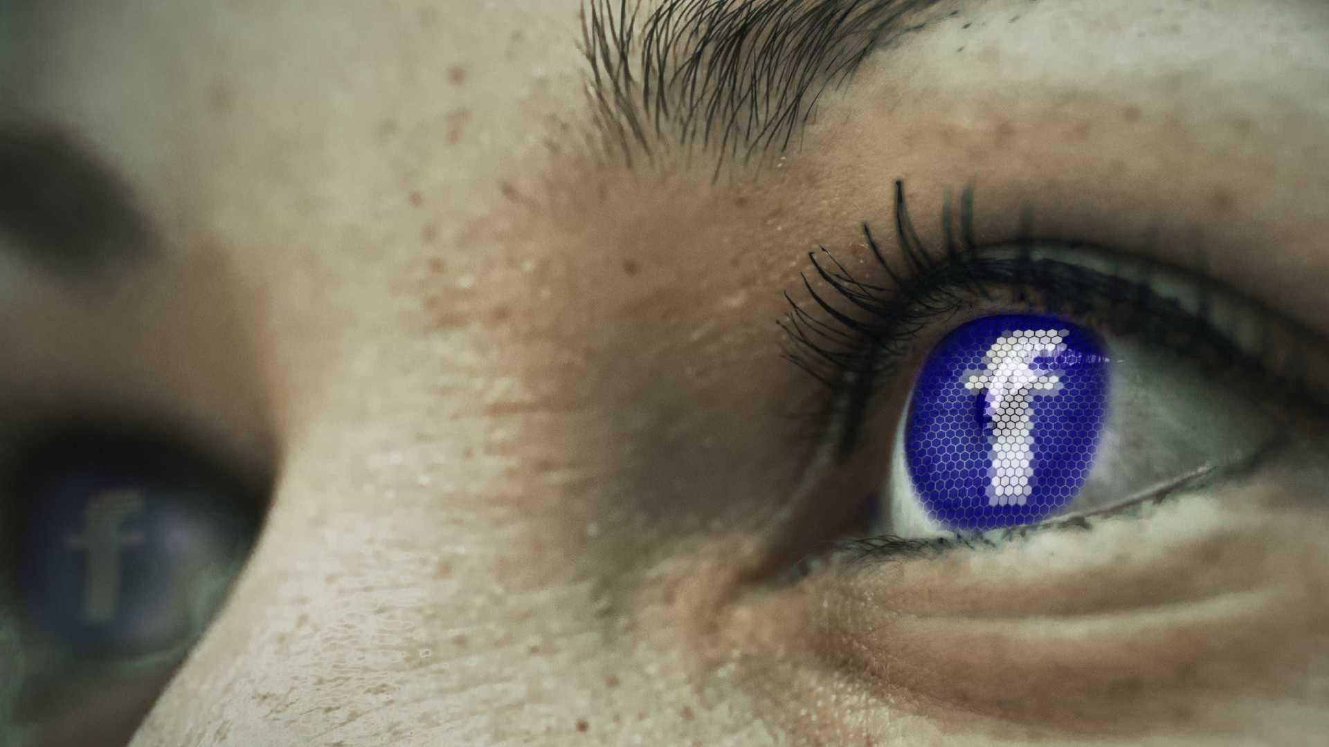 naom 5b0dd4b4e2218 - Facebook monta 'sala de guerra' para combater notícias falsas