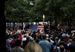 Americanos homenageiam vítimas no 17° aniversário dos ataques de 11 de setembro