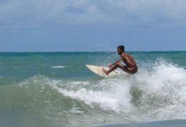 Pelados: Campeonato na Paraíba convida participantes a surfarem nus
