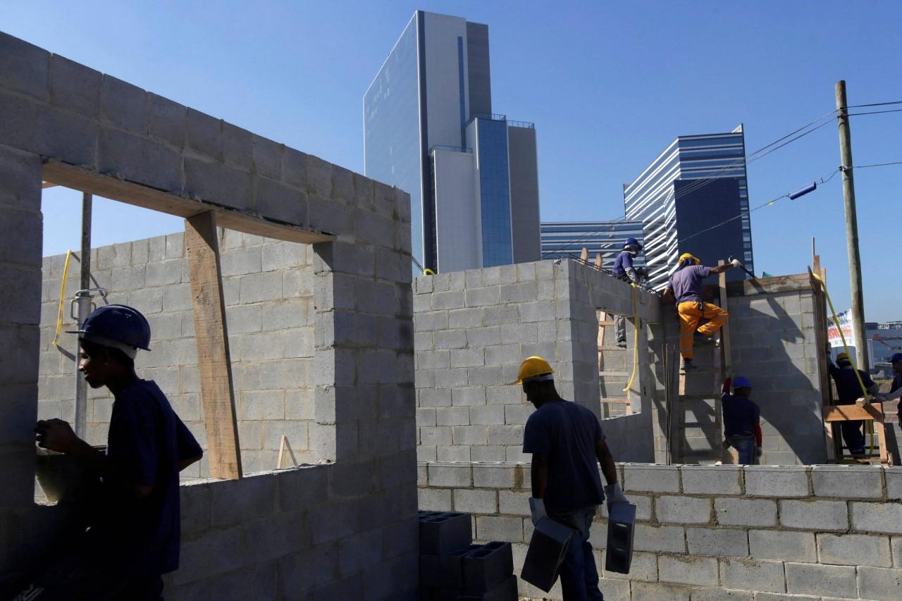 15301352885b3402f87dec8 1530135288 3x2 rt - Crédito imobiliário cresce 44% em setembro, segundo Abecip