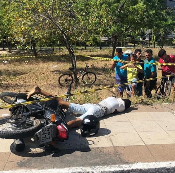 Assaltante morre Manaíra - Assaltante ameaça policial, é baleado e morre, na capital