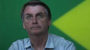 Bolsonaro 1 300x169 - Médicos não liberam Bolsonaro para primeiro debate do 2° turno