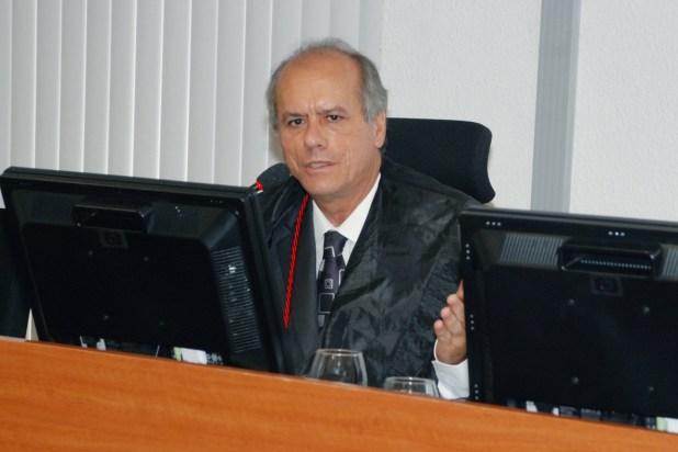 Des Jose Ricardo Porto 300x200 - Genitora de criança com microcefalia ganha direito a ter 60% de energia residencial paga pelo Estado