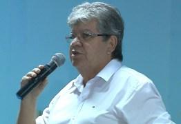 """""""Pode até discordar do programa, mas não pode desativar"""", diz João Azevêdo sobre fim do Mais Médicos"""