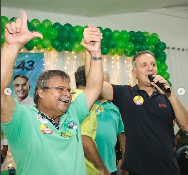 WhatsApp Image 2018 10 02 at 9.52.00 AM - Em João Pessoa, vereadores Marco Antônio e Benilton Lucena abraçam reeleição de Aguinaldo Ribeiro