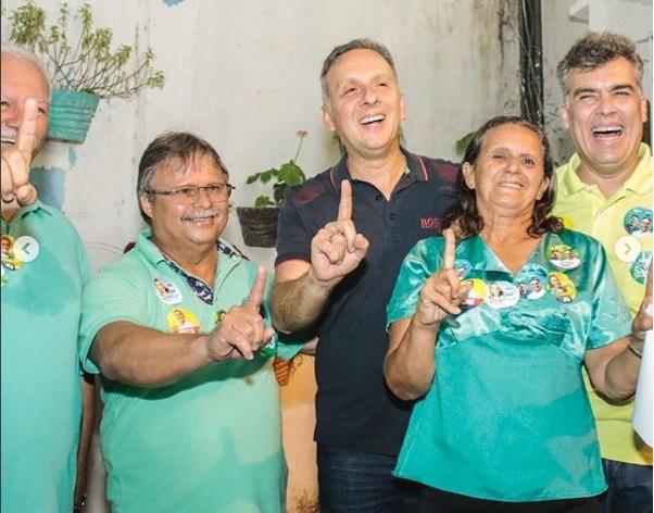 WhatsApp Image 2018 10 02 at 9.52.01 AM - Em João Pessoa, vereadores Marco Antônio e Benilton Lucena abraçam reeleição de Aguinaldo Ribeiro