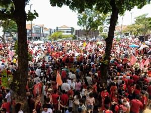WhatsApp Image 2018 10 26 at 10.25.53 300x225 - Milhares de pessoas participam de ato público com Haddad em João Pessoa; Veja vídeo